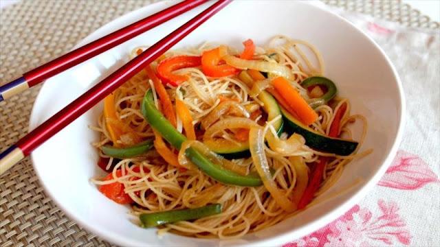 Ingerir arroz o pasta guardados días en nevera puede ser letal