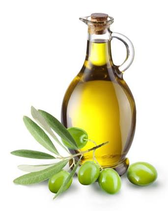 استخدام زيت الزيتون لعلاج الشعر الخفيف