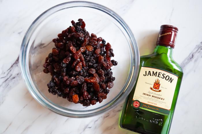 Irish barmbrack, a traditional Irish sweet bread with whiskey-soaked fruit and candied orange peel. | baket350.net