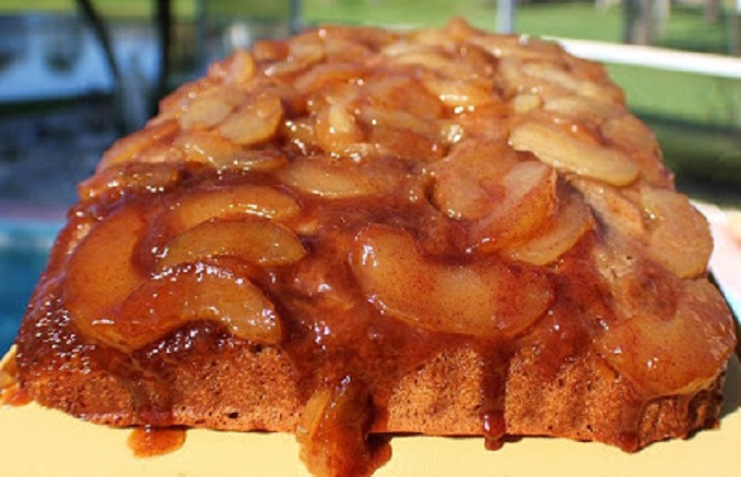 this is semi homemade caramel apple cake. This cake is made with a spice cake mix and apple pie filling and just like a pineapple upside down cake made with apples and cinnamon with caramel instead