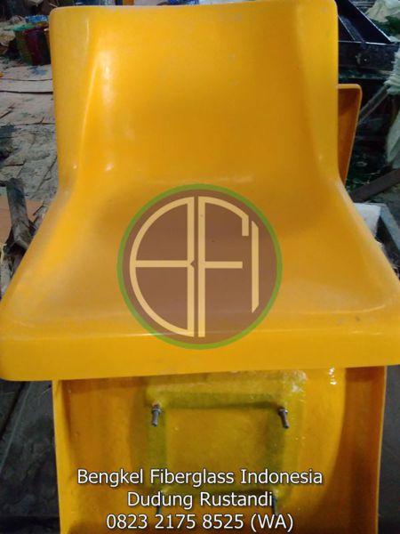 kursi fiber bangku taman