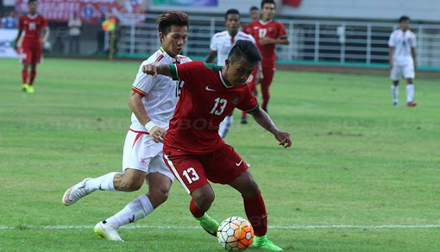 Febri Hariyadi mencetak gol kedua Timnas Indonesia atas Kamboja.*