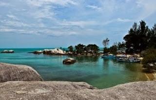 Pantai Penyabong Tempat Wisata di Belitung