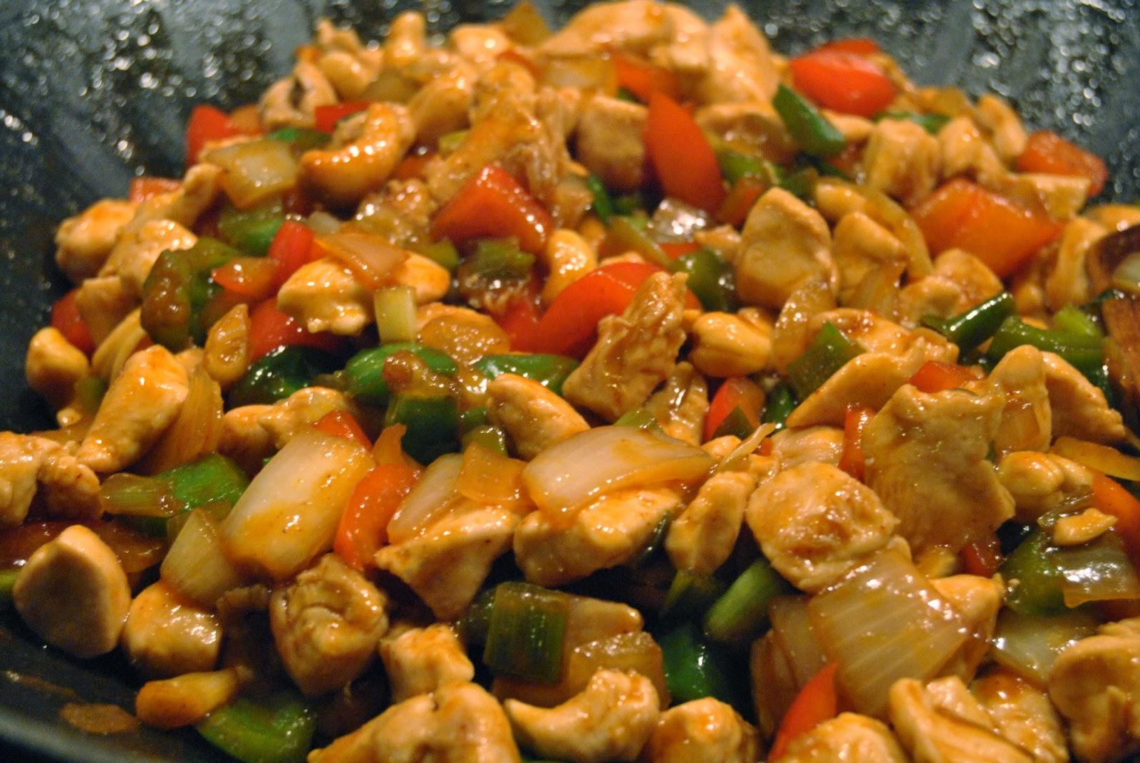 kanaa ja riisiä thaimaalaisittain