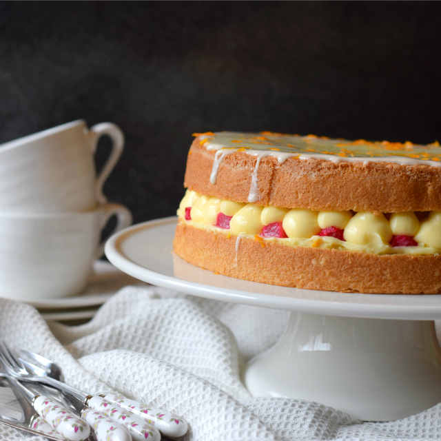 Rhubarb and Custard Genoise Sponge Cake Recipe