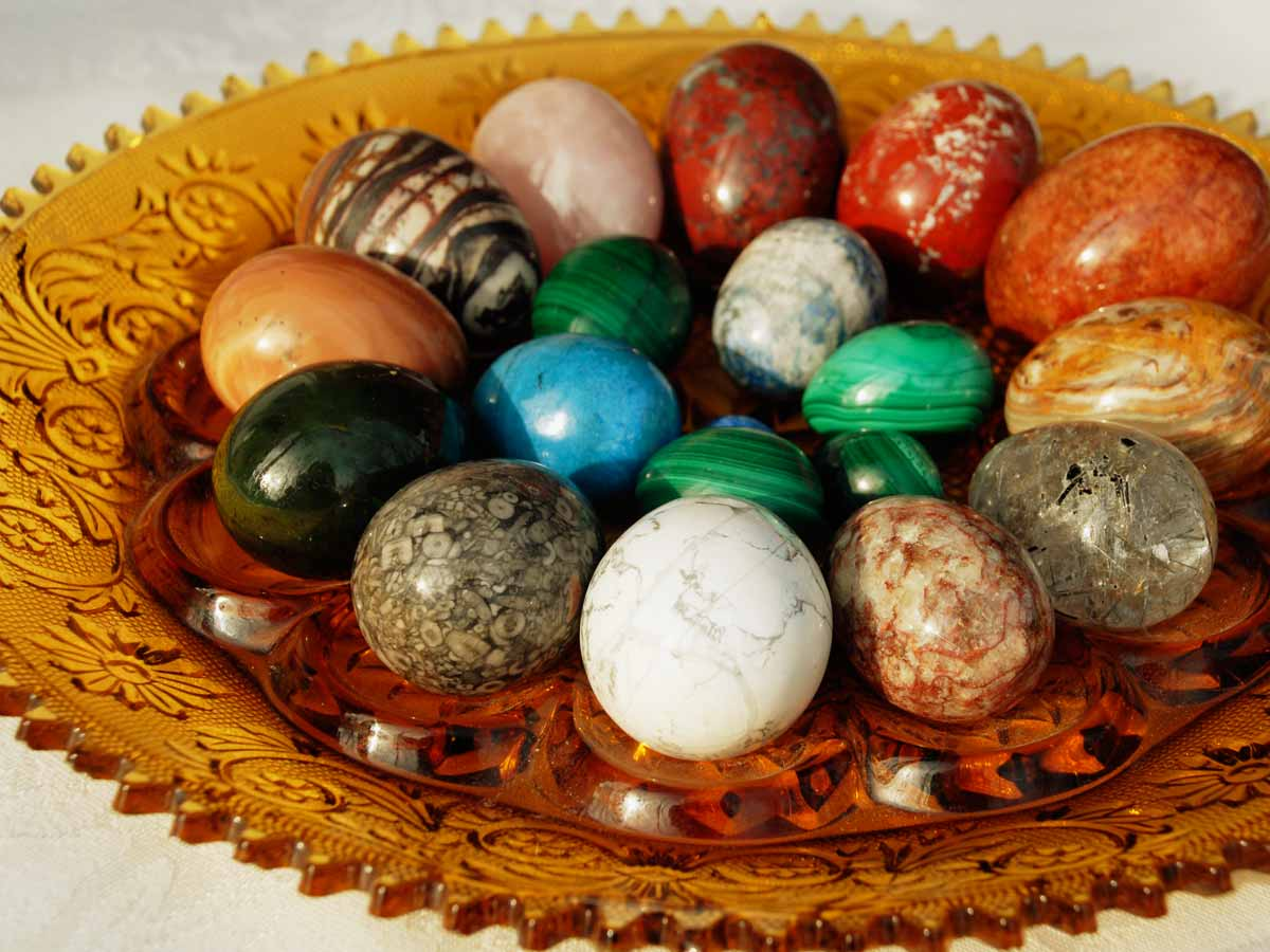 Stone rock Easter Eggs in amber Tiara Crystal Glass Egg Platter