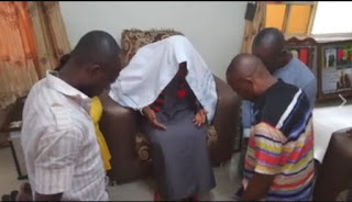 Nnamdi Kanu (Middle) and his followers