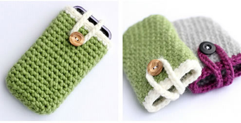 Easy crochet project, iPhone cover (photo by Dibbles and Dabbles) | Happy in Red
