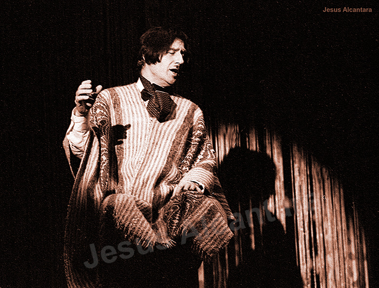 """Adolfo Marsillach en """"Yo me bajo en  la próxima... ¿Y usted?"""" Fotografía Jesus Alcantara."""