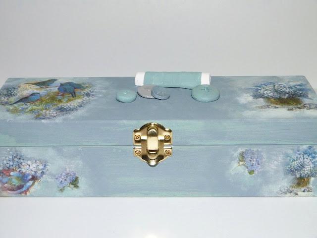 caja-madera-costura-hilos
