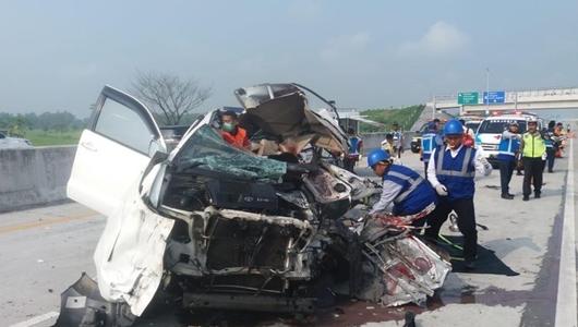 Tragedi SUV Melaju Kencang yang Tewaskan 3 Orang di Tol Madiun