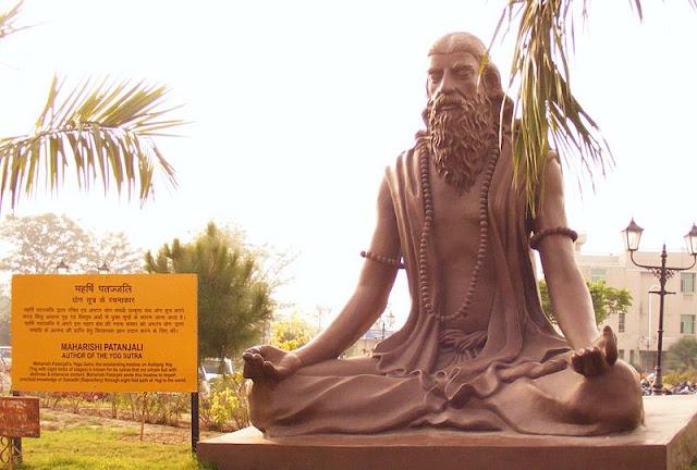 Estatua de Patanjali