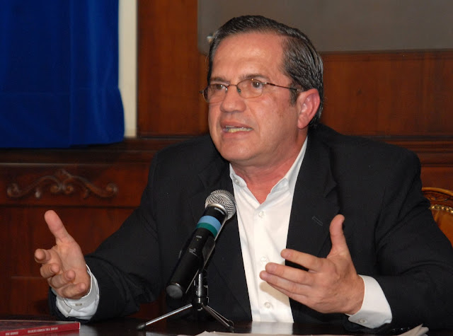 ricardo patiño ministro de defensa