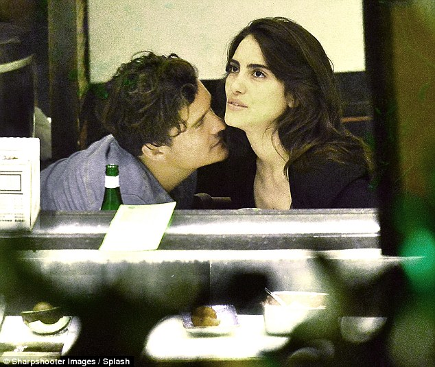 Orlando Bloom kisses Brazilian actress Luisa Moraes on sushi date in Malibu