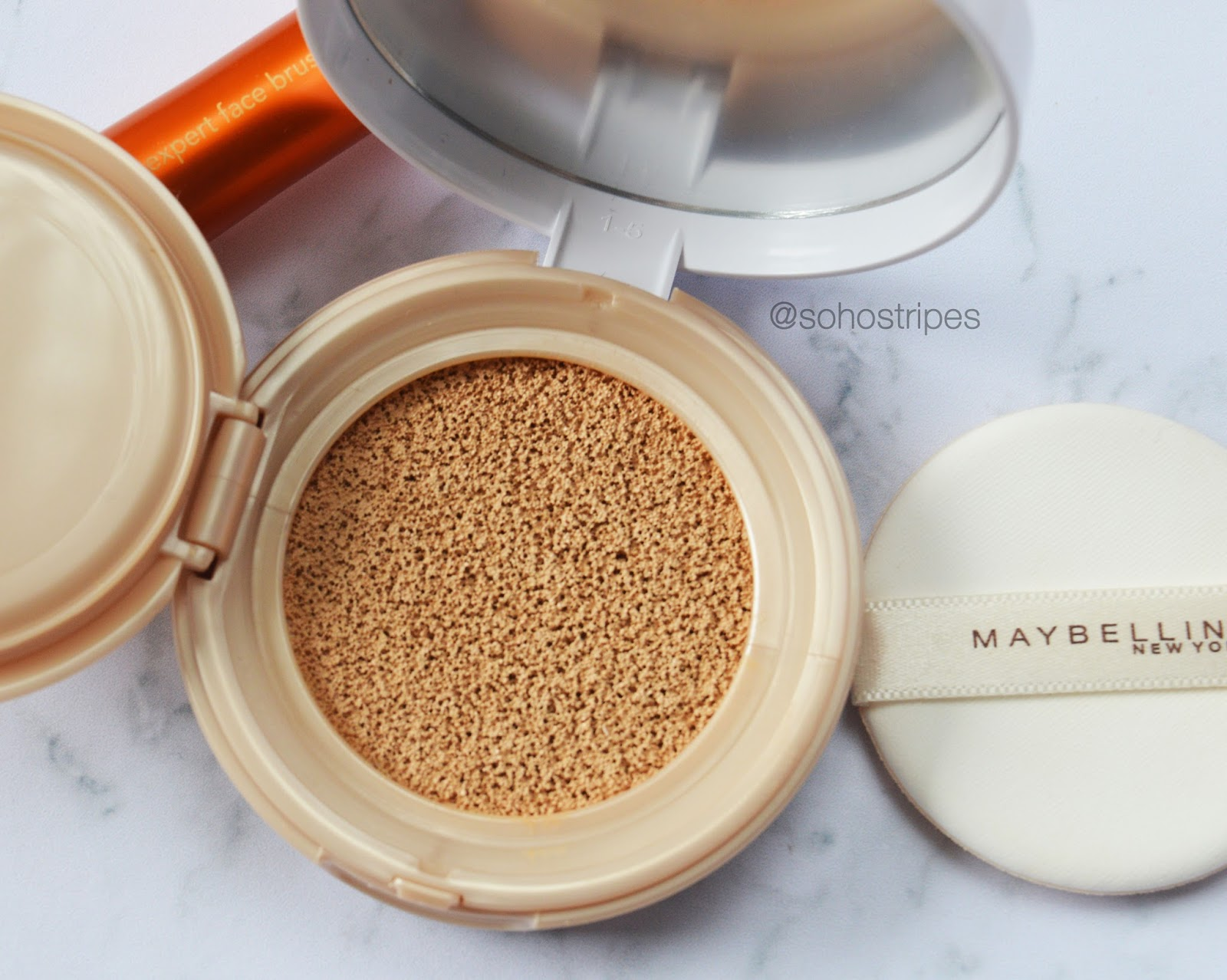 Maybelline Dream Cushion Foundation Natural Ivory 01