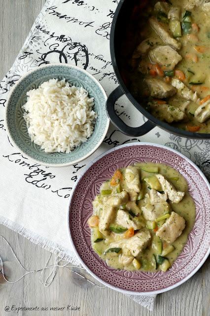 Experimente aus meiner Küche: Putengulasch mit Möhren und Zucchini