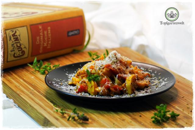 Buchtipp: La Cucina - Die originale Küche Italiens! Rezept: Tagliatelle mit Zucchini, Paprikaschoten und Tomaten!