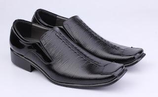 sepatu kerja guru pria,grosir sepatu kerja murah,sepatu pantofel model runcing,gambar sepatu formal aladin hitam,sepatu dinas pegawai pns,sepatu kantoran pria murah online