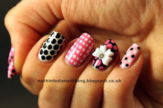 Collection Cosmetics hot looks nail polish