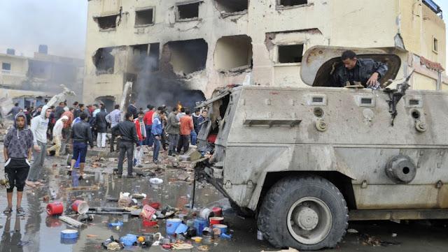 مصر: قتلى وعشرات الجرحى في تفجير انتحاري شمال سيناء