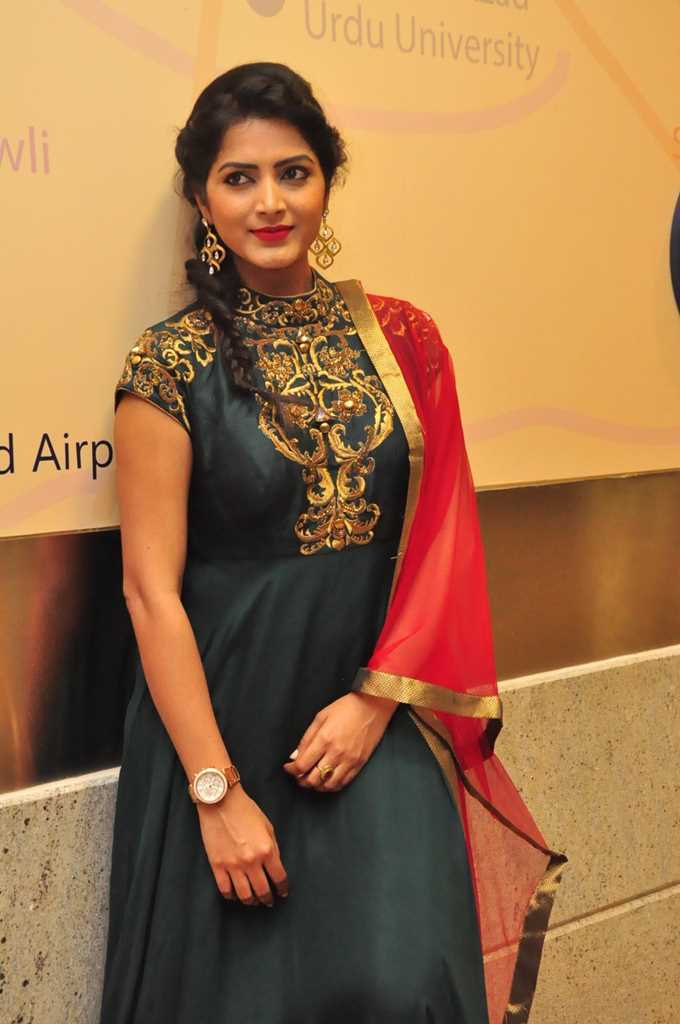 Tollywood Actress Pavani Gangireddy Hot In Green Dress At Movie Event