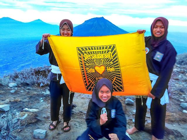 puncak sindoro   petualang psht   psht   setia hati terate   wonderful Indonesia