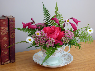 learn a new hobby online flower arranging