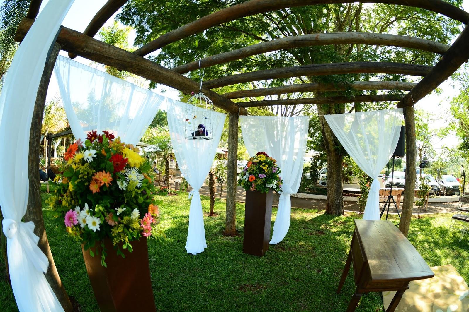 decoracao-altar-casamento-dia-azul-amarelo