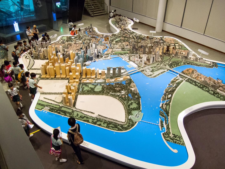 Hello Talalay: Singapore Sites (Sights?)