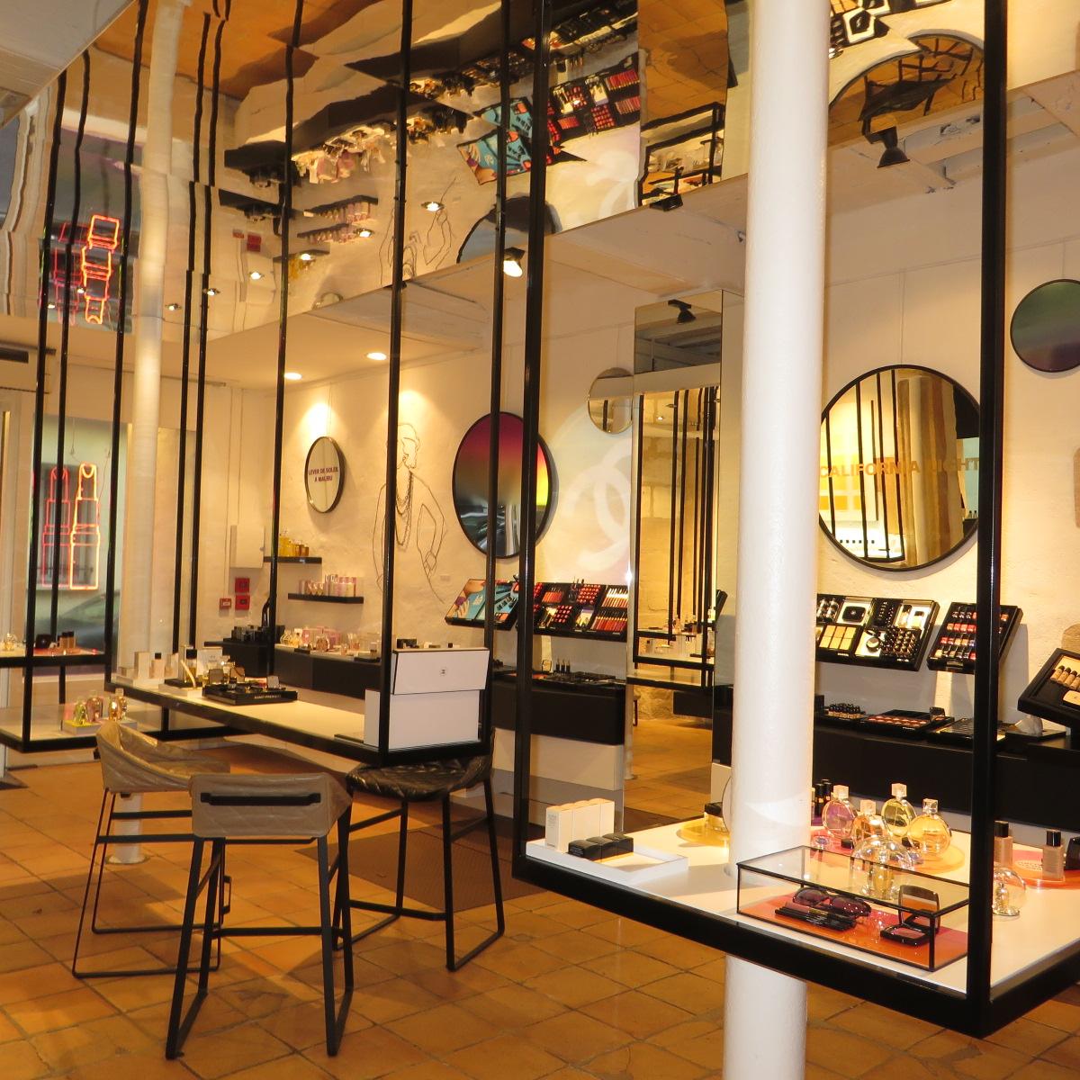 Boutique chanel paris le marais bonplanparis2 pamfashionblog blog mode e - Magasin deco paris marais ...