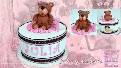 tarta personalizada fondant modelado osito oso peluche cumpleaños julia laia's cupcakes puerto sagunto