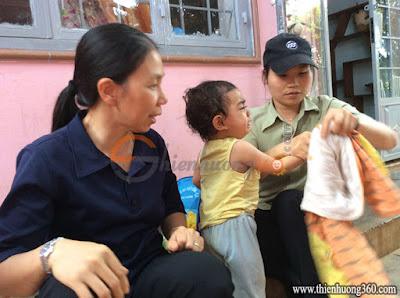 Tấm lòng nhân ái: Sơ dạy học cho nhóm trẻ nhân đạo