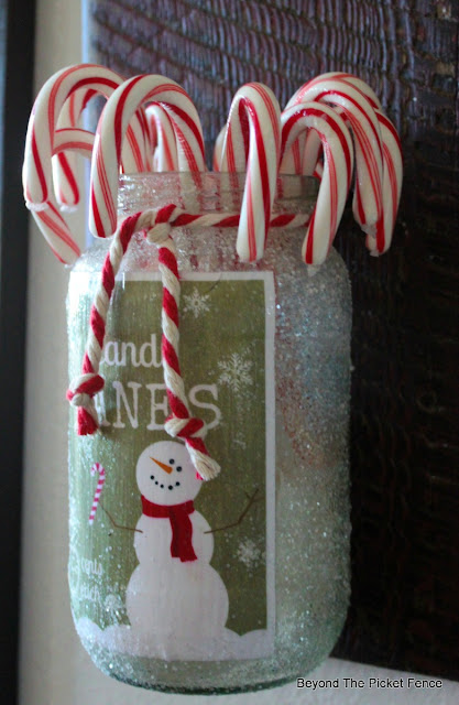 free christmas printable, candy cane jar, DIY, glitter, modge podge, https://goo.gl/7NTkZ1