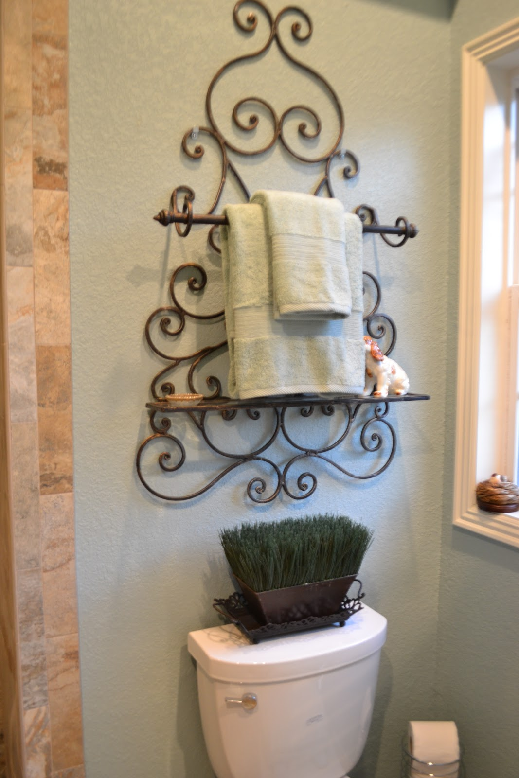 Kristen 39 s creations part 2 of my aunt and uncle 39 s - Decorative towel bars for bathrooms ...