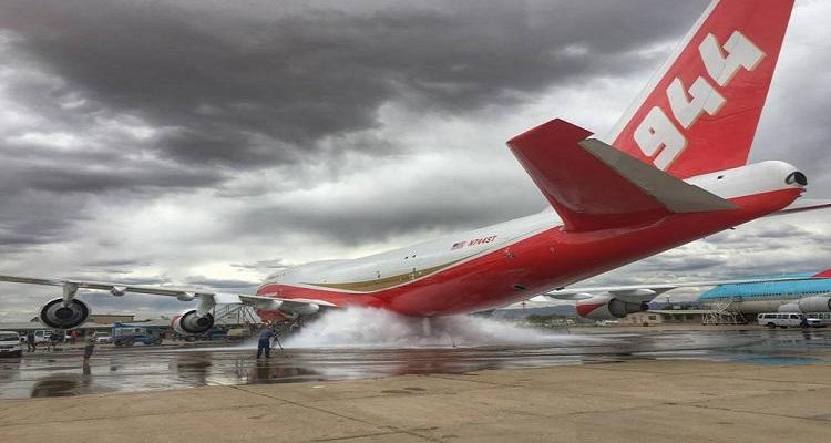 """بالصور .. الطائرة الأمريكية """"سوبر تانكر"""" الأمل الاخير لانقاذ إسرائيل من الحرائق"""