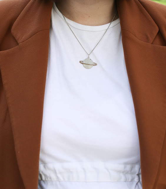 Jewelry, Saturn necklace, Fall Blazer, Maternity fashion, Style, OOTD, Pregnancy look