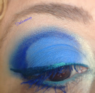 eye_makeup_look_shades_of_blue