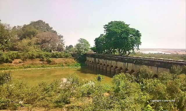 Anicut Barrage between Jharkhandi Mandir and Mahila College, Dehri on Sone