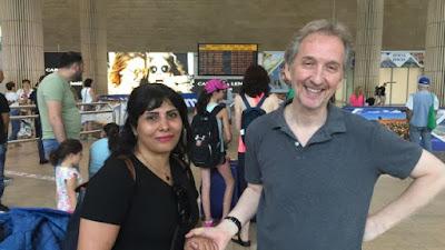 Israel acolhe blogueira iraniana ameaçada pelos aiatolás