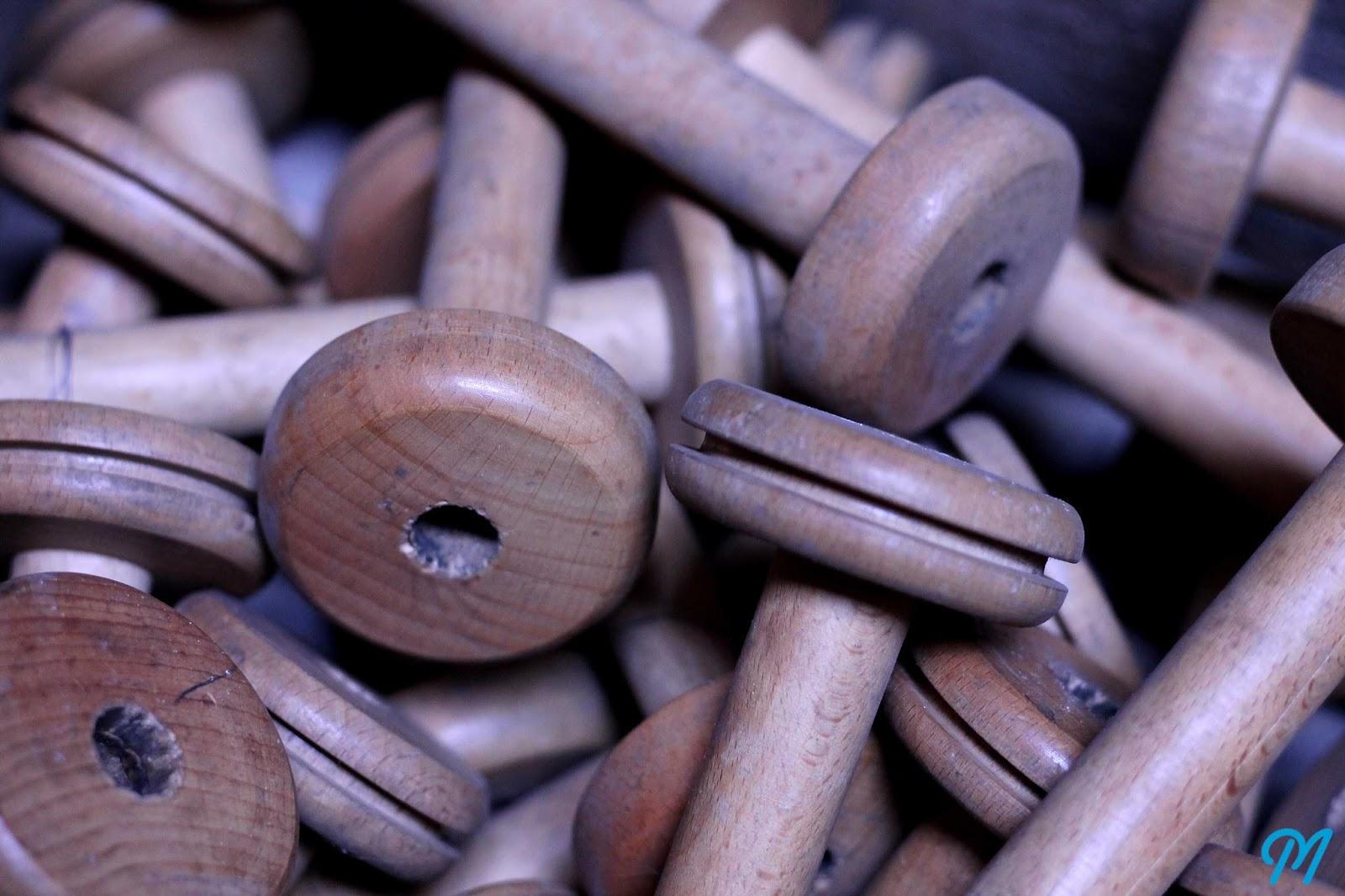bobines anciennes de filature en bois bak lite et aluminium marinette vintage blog. Black Bedroom Furniture Sets. Home Design Ideas