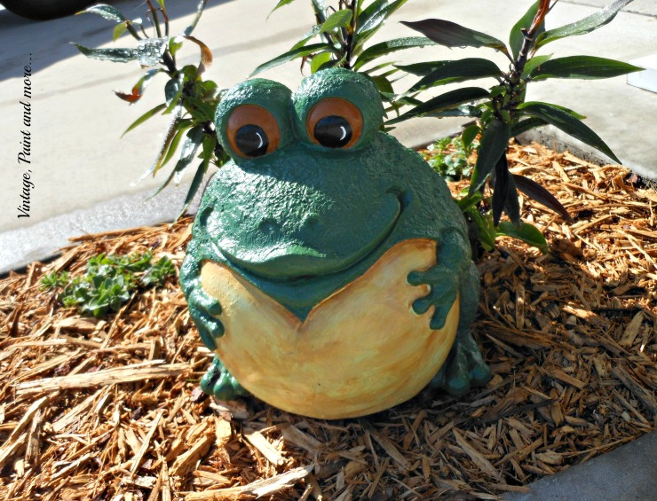 Vintage, Paint and more... painted frog garden statue