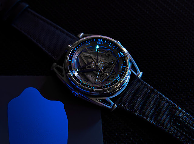 De Bethune DB28 GS Grand Bleu in the dark