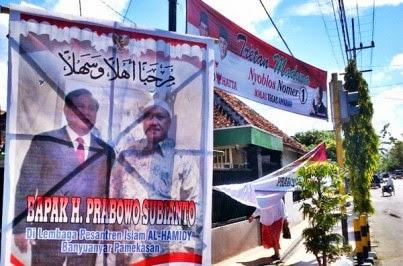 Ribuan Poster Sambut Prabowo di Pamekasan - MADURA PORTAL NEWS