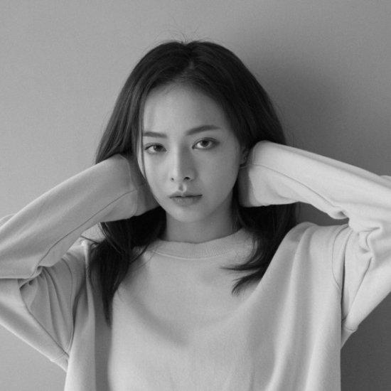 Kadosa Yuan arte fotografia fashion mulheres modelos orientais beleza preto e branco