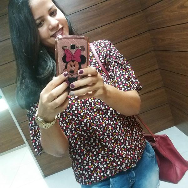 Look do dia: Blusa; calça jeans;
