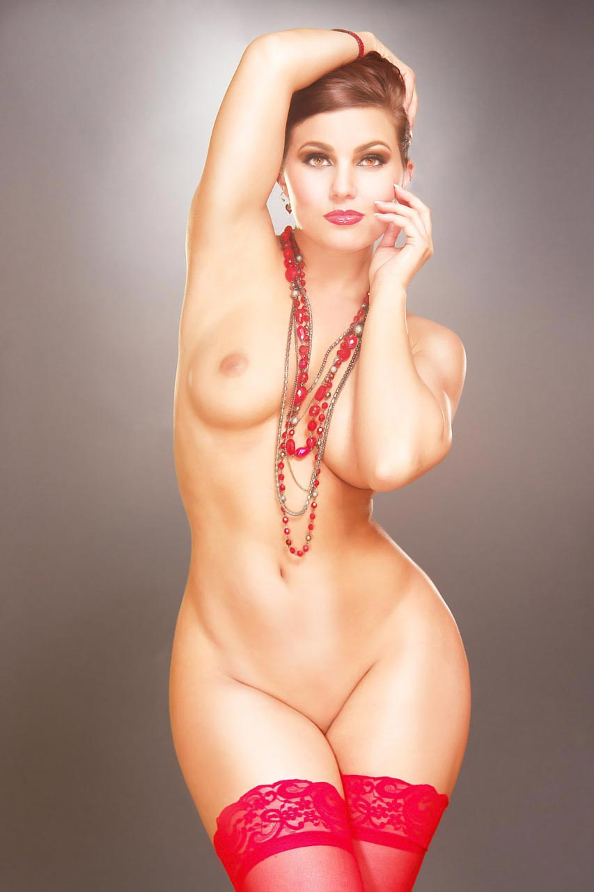 свою жену крупные голые девушки с тонкими талиями сама