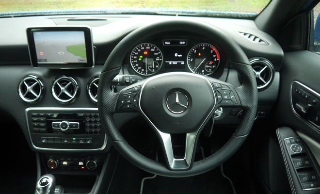 Mercedes A180 CDI Eco SE cockpit