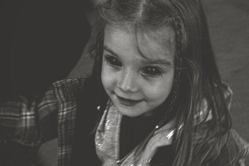 bek, black eyed children, crianças dos olhos completamente negros, terror,  medo, 36186f353a