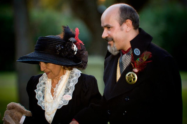 steampunk wedding, steampunk bride and groom, louise black corset, galveston, wedding, gentlemen's emporium, retroscope fashions, kempner park