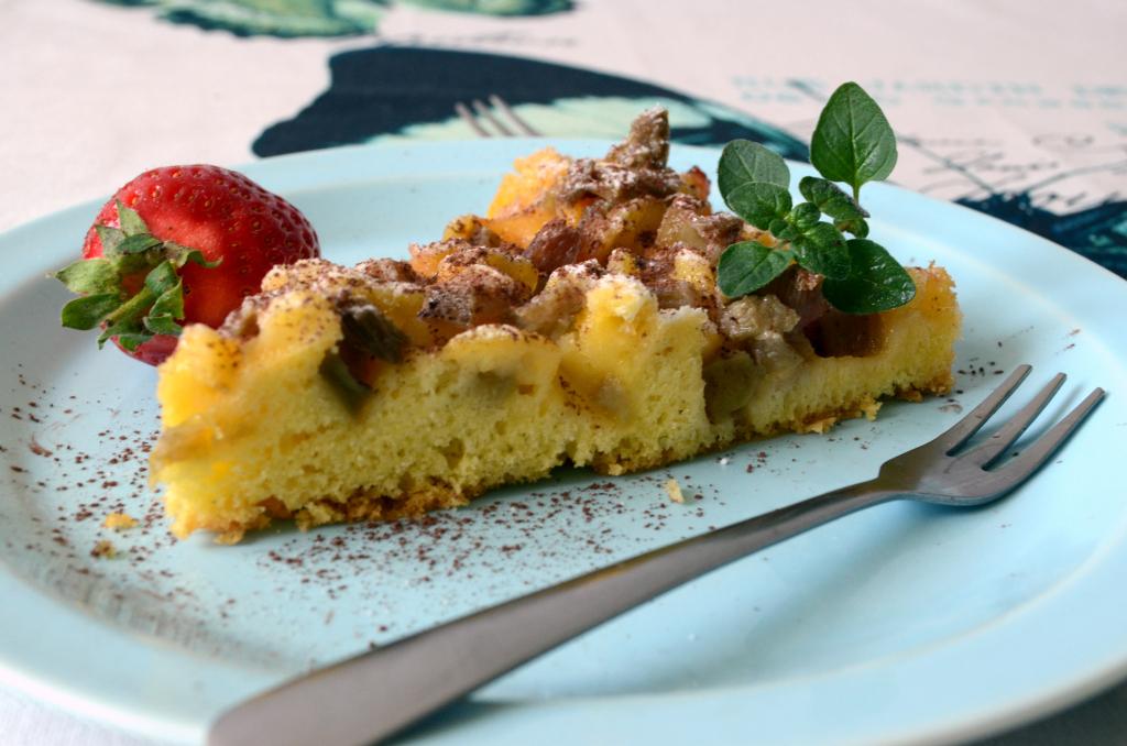 rabarbaretka Rabarbaretka- szwedzkie ciasto z rabarbarem